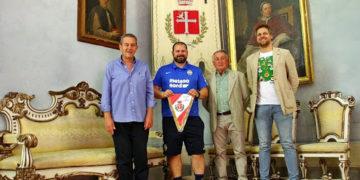 Ricevuto in Rocca Alessandro Pagani, fisioterapista dell'Hellas Verona